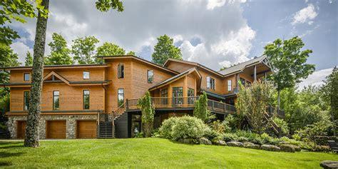 maison a vendre a maison en vente un petit paradis sur le bord du lac memphr 233 magog photos