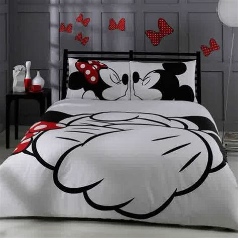 housse de couette mickey minnie awesome mickey bedding disney dining information