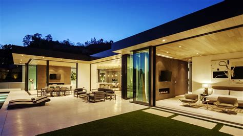 Home Interior Design Usa by Warm Comfortable Modern Contemporary Luxury Residence In