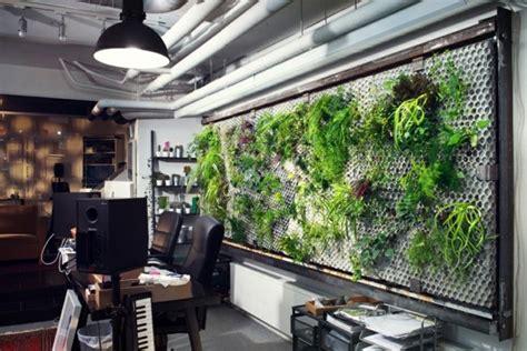futuristische buero einrichtung mit metall  wandpaneelen
