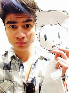 Calum Hood - Weight, Height and Age