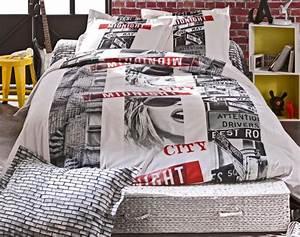 Housse De Couette Colorée : la housse de couette new york un beau style pour la chambre coucher ~ Teatrodelosmanantiales.com Idées de Décoration
