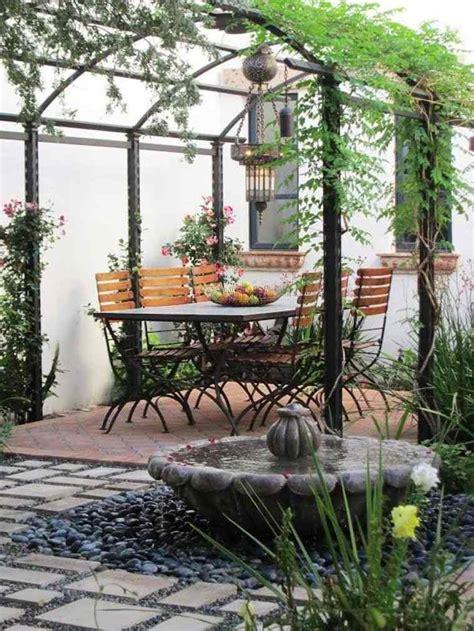 plante grimpante ombre pour pergola de jardin
