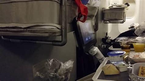 siege bebe avion lit bébé sur boeing 777 200er air voyager avec un