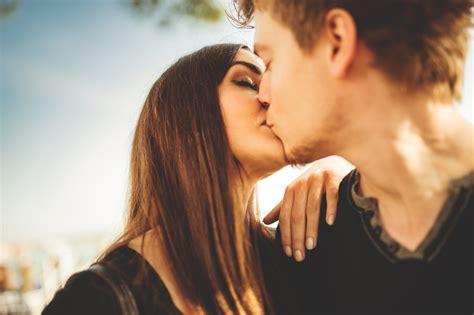Diese Sternzeichen können am besten küssen