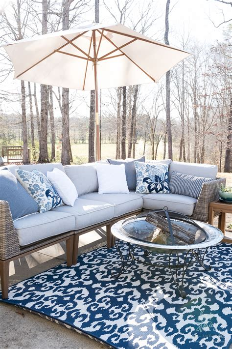 How To Create A Beautiful Outdoor Living Space