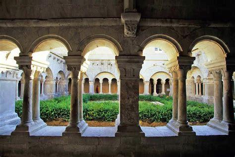 location chambre cannes abbaye notre dame de sénanque abbaye cistercienne en