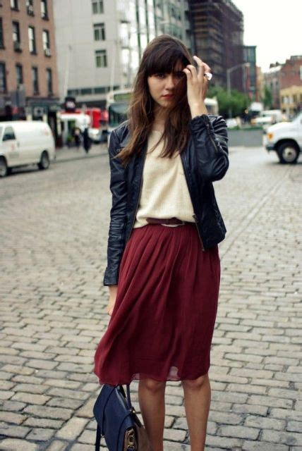 16 Feminine Pleated Midi Skirt Outfits For Fall And Winter - Styleoholic
