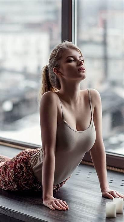 Yoga Blonde Iphone Wallpapers Biz Maxim Models