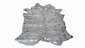 Tapis peau de vache grise et blanche soraya vendu par for Tapis peau de vache avec canapé d angle grand confort