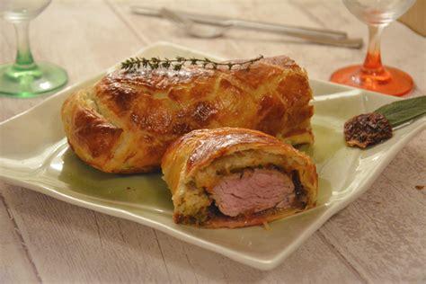 comment cuisiner un filet mignon de porc en cocotte filet mignon en croûte feuilletée et tomates séchées au