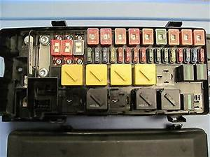 Land Rover Discovery Fuse Box : land rover discovery ii front fuse box yqe 000310 1999 ~ A.2002-acura-tl-radio.info Haus und Dekorationen