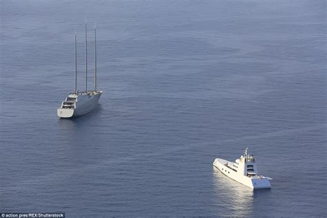 Yacht Uk by Russian Oligarch S New 163 360 Million Yacht Moored Overnight