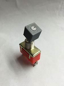 Pitot Heat Switch Top Replica
