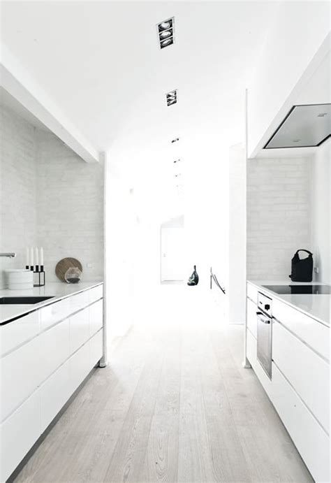 is hardwood flooring for kitchens 17 best ideas about modern white kitchens on 9016