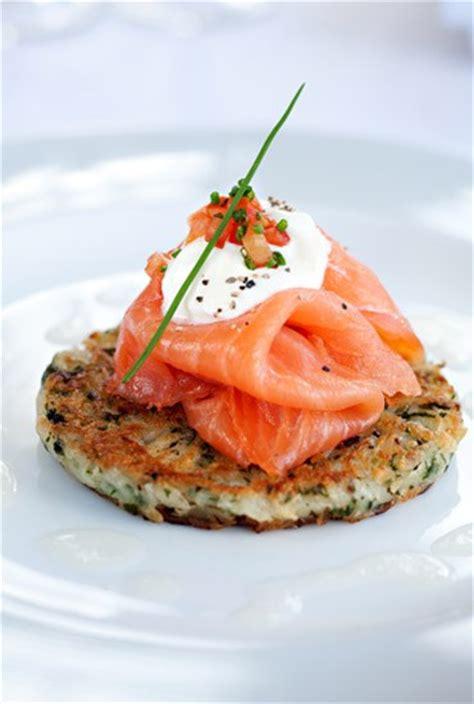 quoi cuisiner avec des oeufs recette saumon fumé idées recette avec du saumon fumé
