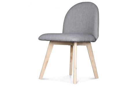 pied de chaise scandinave chaise scandinave pastel avec pieds en bois ivar