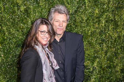 Jon Bon Jovi Offering Free Meals Furloughed Federal