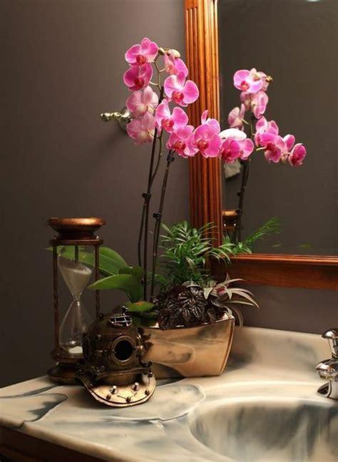 revetement mural chambre orchidée dans la salle de bains