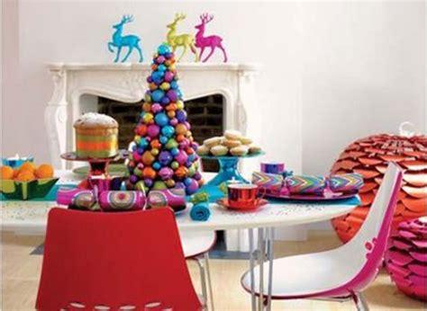 Enticing Colourful Christmas Table Decoration Idea
