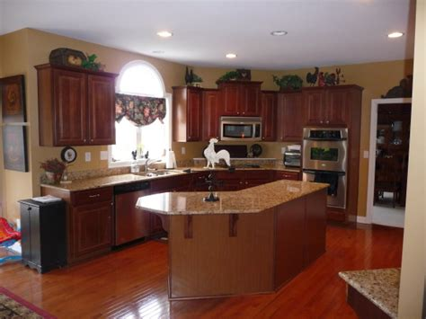 Kitchen Paint Colors To Match Cherry Cabinets by Creating A Stylish Kitchen Look Using Kitchen Colors