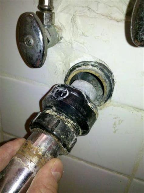 drainpipe  bathroom sink unknown coupler  advice
