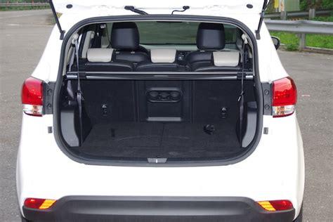 空間與油耗的平衡點,小家庭的實用車款 Kia Carens Crdi 試駕體驗