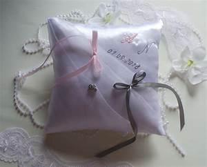 Coussin Rose Pale : coussin mariage blanc rose gris ~ Teatrodelosmanantiales.com Idées de Décoration