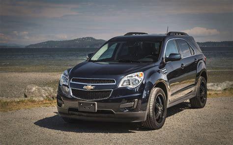Suv Comparison by Comparison Chevrolet Equinox Premier 2017 Vs Nissan
