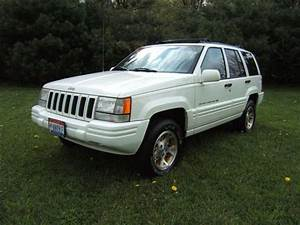 New Car Review  1996 Jeep Grand Cherokee Limited
