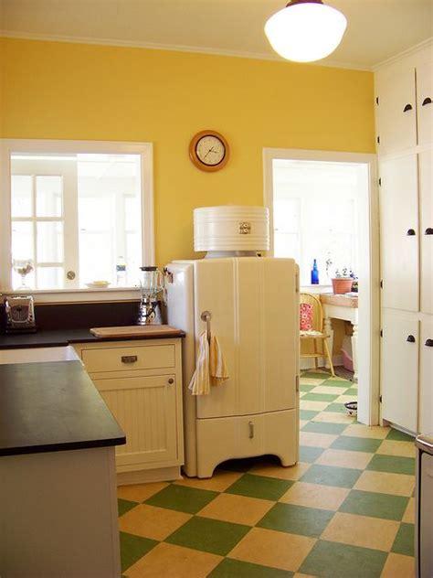 vintage kitchen flooring 17 best ideas about checkerboard floor on 3217