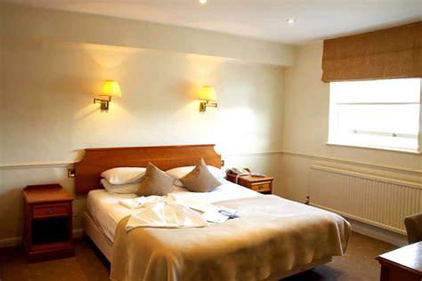 Budget Hotel Room Design Ideas by Interior Design Bedroom Ideas On A Budget