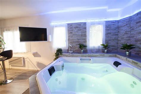 hotel piscine dans la chambre suite avec privé près de montpellier introuvable