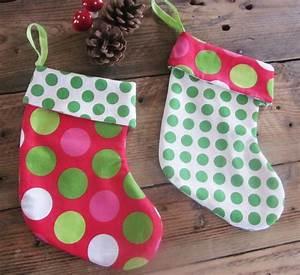 Tissu De Noel : diy couture bottes de no l en tissu pois bottes ~ Preciouscoupons.com Idées de Décoration