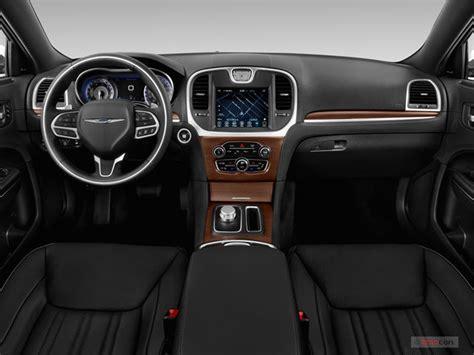 Interior Chrysler 300. 2007 chrysler 300c srt8 review top