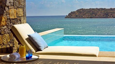 chambre avec spa privatif 8 suites d 39 hôtels avec piscine privée en europe
