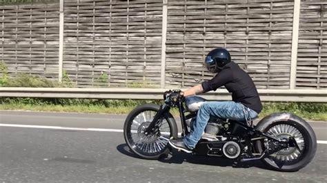 Harley Davidson Softail Custom Bobber