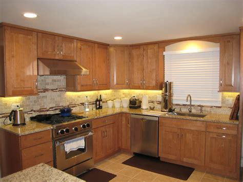 maple kitchen cabinets traditional cabinetry