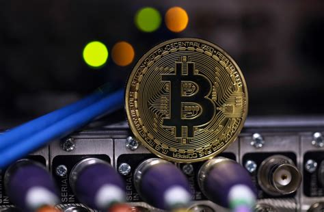3 ¿que es el bitcoin es un software de código abierto y cualquiera que tenga conocimientos de programación. Por qué la existencia del Bitcoin tiene impacto positivo en la política monetaria - E-trading México
