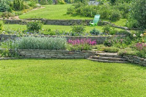 Jardin En Pente Amenagement Am 233 Nager Votre Jardin En Pente Nos Conseils