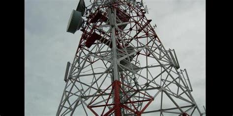 tower bts disambar petir komunikasi seluler  miangas