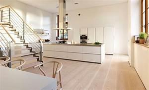 Boden Für Wohnung : eine offene k che mit dinesen douglasie dielenboden ist ein traum sieh sie dir an sie ist hell ~ Sanjose-hotels-ca.com Haus und Dekorationen
