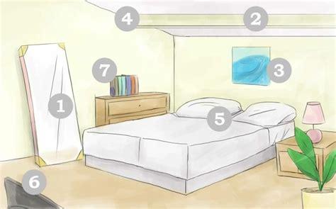Feng Shui Spiegel Schlafzimmer by Eine Wand Mit Wandbild Hinter Dem Schlafzimmer Bett
