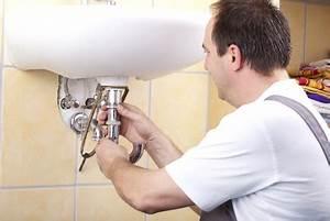 Waschbecken Verstopft Wasser Steht : abfluss verstopft was tun wohnungs ~ Lizthompson.info Haus und Dekorationen