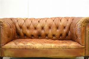 Chesterfield Sofa 4 Sitzer : cognacfarbenes englisches vintage zwei sitzer art deco chesterfield sofa 1920er bei pamono kaufen ~ Bigdaddyawards.com Haus und Dekorationen