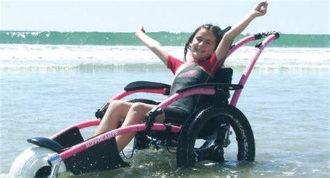 fauteuil roulant de plage et tout terrain hippoce vipamat