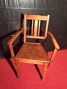 Antike Stühle Gebraucht : massiver couchtisch monrovia 90x90 dunkelbraun palisander bild 1 einrichten pinterest ~ Indierocktalk.com Haus und Dekorationen
