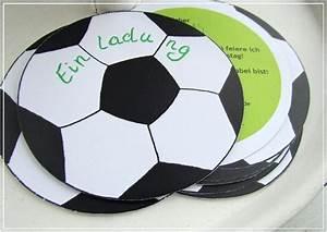 Kindergeburtstag Fußball Spiele : einladung fusball kindergeburtstag basteln vorlagen design ~ Eleganceandgraceweddings.com Haus und Dekorationen