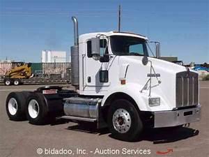 Kenworth T800  2005    Daycab Semi Trucks