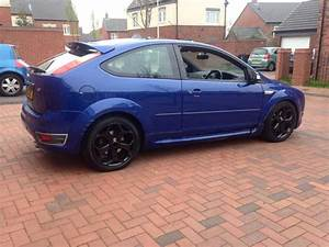 Ford Focus St 225 : ford focus st 2 5 turbo 225 bhp cat c performance blue 3 door oldbury wolverhampton ~ Dode.kayakingforconservation.com Idées de Décoration